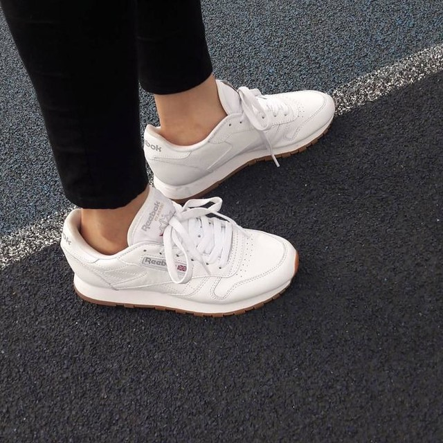 Classic is Beautifull 😍😘 #reebok #reebokclassic #thisISclassic #classicleather #sneakers #kickstagram #ootd #kotd #white #wife
