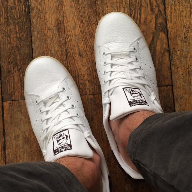 Une paire de Stan de plus 😍 #stan #stansmith #adidas #originals #shoes #shoesaddict #shopping #white #bordeaux #newcollection #lyon #lyonnais #picture