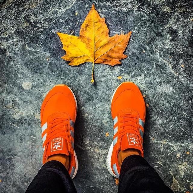 Vagabond shoes, part II . . . . . #nmd #threestripes #adidas #adidasoriginals #newyork #newyorkcity #nyc #click_n_share #ig_newyorkcity #bs #bbsss #mm #colorfullife #simplesasssim #autumn🍁#autumnleaves