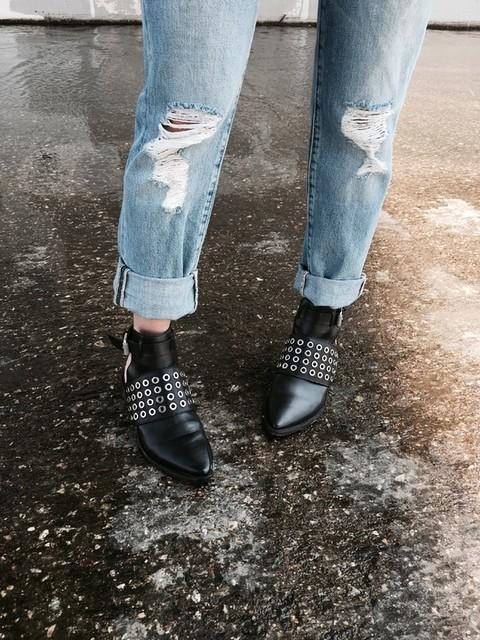@sofi_dez - Boots Yannis