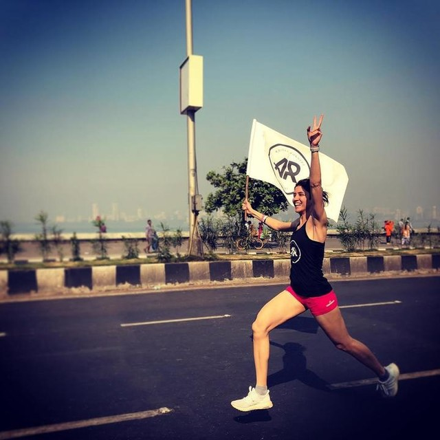 @adidasrunnersin Get ready for your very first TIME TRIAL this Sunday 😎 - We begin our warm up and bib collection at Police Gymkhana at 06:15am. - Setting up our laces all warmed up we move towards our start line, the old H2O at 06:50am. - Time trial begins at 07:00am - The looP turns at Marine Plaza Signal (CCI road) - Rule : everyone MUST only run on the promenade stretch to cross the mat at Marine plaza and back to H20. - Each one puts in their best effort to help the non runners complete their 5k too 🙂 (once you've finished your TT)  Partnering with @runtastic & @redbull  #strongertogether  #marathon #sprinter #running #bangalore #run #adidas #athlete #athletics #trackandfield #marathontraining #adidaswomen #adidasrunnersin #adidasrunning #mumbai #delhi#whyirun  #livehigh #trainlow #trainer #training #coach #life #love #forever #healthylife #instafit #instahealth #instafitness #adidasrunning #mumbai #race