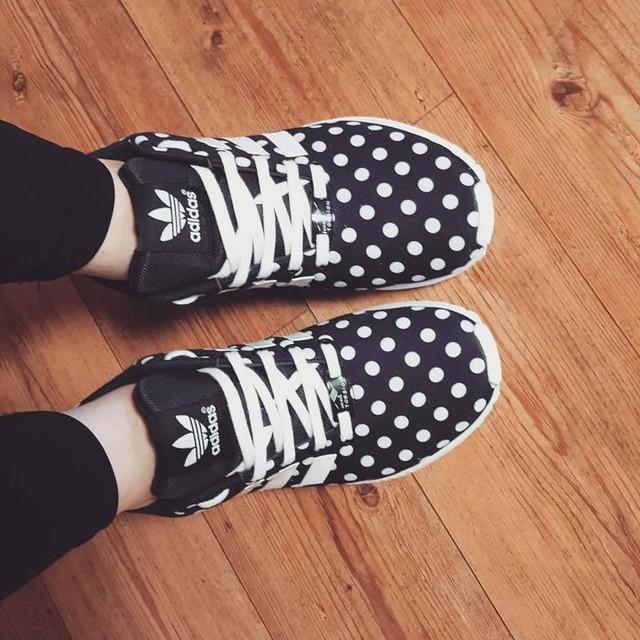 호피다스를 대체할 뉴페 #adidas #zx #flux #zxflux #zxfluxw #adidasshoes #black #white #polkadot #아디다스 #아디다스신발 #땡땡이 #물방울무늬 #물방울 #폴카닷 #검정 #까망 #흰색 #하양