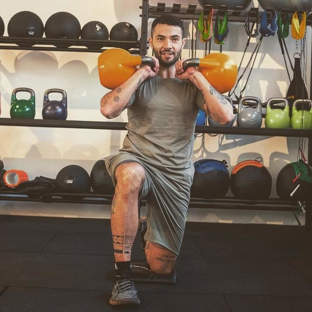 Possono esserci persone che hanno più talento di te, ma non ci sono scuse per nessuno a lavorare più duro di te... un'altra settimana sta per iniziare! 💪🏻 . . . #training #workout #adidas #adidasita #adidastraining #functionaltraining #adidastrainingsquad #personaltrainer #roadtomilanomarathon #personaltrainermilano #coach #trainer #strength #motivation #healthylifestyle #likeforlikes #likeforfollow #performantefitness #gym #fit #fitness #palestra #milano  #allenamento #allenamentofunzionale #smile