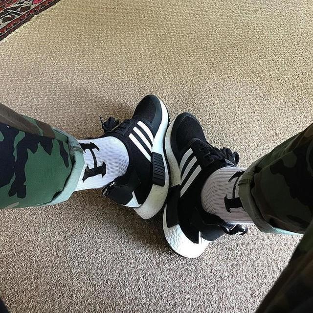Kicks of the day for me ⚫️⚪️ #adidas#nmd#primeknit#whitemountaineering#basementapproved#kotd#thewordonthefeet#thesolesupplier#igsneakercommunity#sneakerhead#kicks#kotd#huf @_thatshoeguy_