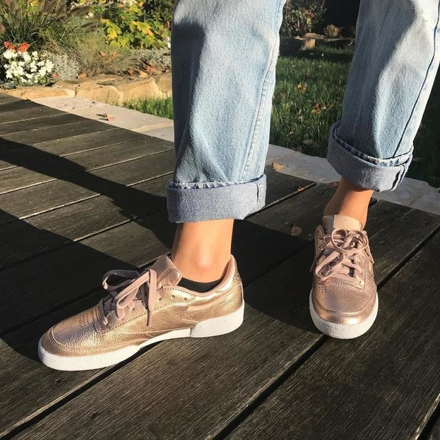 My new babysss ❤️ there are from @reebok Club C Metal love these they are so comfortable 👟  #shoes #sneakers #reebok #reebokclubc #mode #model  Sorry I know that it's been a while for my last post but I was not in a good mood but the most important is that I'm back!! 