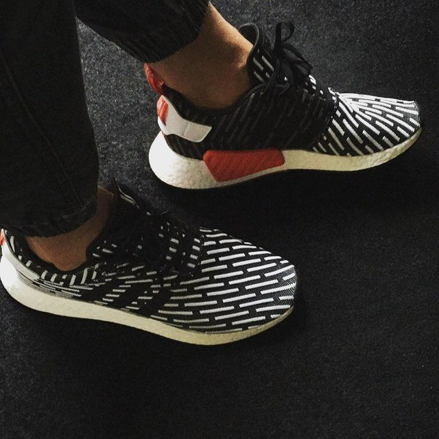 #sneakers #sneakerfreaker #shoes #shoeoftheday #adidas #nmd #niceshoes #nmdr2 #shoestyle #nicesneakersday #footstyle
