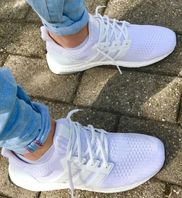 #sneaker #ultraboost  In love with that white ❤️🍦