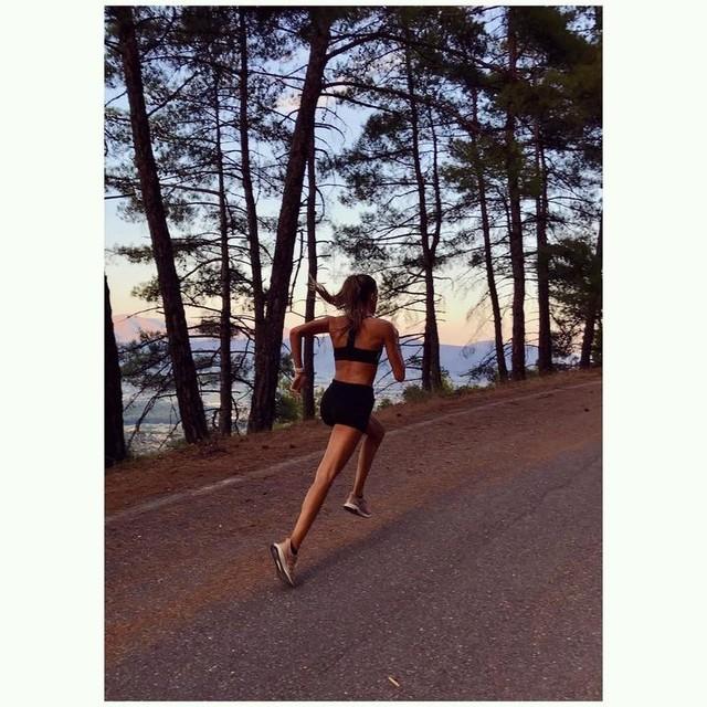 Till the sun goes down 😌🌄 • • • #sunset #running #runner #girlswhorun #adidas #adidasgr #adidasambassador #adidaswomen #adidasrunning #createdwithadidas #UltraBoost #adidasRunners #athens #fitnessaddict #fitspo #naturelovers #urbanworkouts #urbanrunning #naturerun #fitnessgirl #fitnessmotivation #motivation #dedication #runspo #triathlon #runplanet #forest #nature #workoutmotivation