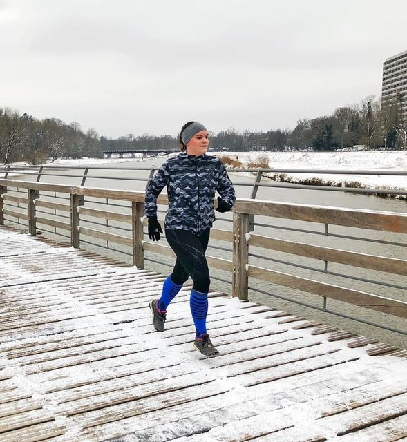 Only four more weeks until our official adidasrunners Munich season opening for 2019 🤩 I honestly can't wait to have the whole group back together 😇 It's funny - when I started running I was always running by myself because I thought that running in a group isn't for me... Well, times change 🙆🏻♀️ Now I'm the happiest when I have other runners around me 😊 Do you know that feeling? Who else likes running in a group more than running alone? /// That's what I can't wait for tonight and our Girls Run that we are doing as part of one of our Member Runs 🤗 mrs_vlausch biancaschubert runningsushi75 sarah_doeh and me hope to see many of our runners - girls and boys - tonight! We're starting as always at 7 PM from gspusibarhostel - see you there! 🥳 _______________________________________________________ #memberrun #girlsrun #winterrunning #Flaucher #Munich #MyChicagoMarathon #Chicagomarathon #chicagomarathon2019 #marathon #marathontraining #running #runners #runnersofinstagram #runnerscommunity #instarunning #instarunners #photooftheday #picoftheday #pictureoftheday #potd #runningcommunity #adidas #adidasrunners #adidasrunnersMunich #TakeCharge #TakeChargeMunich #munichrunninggirls #laufen