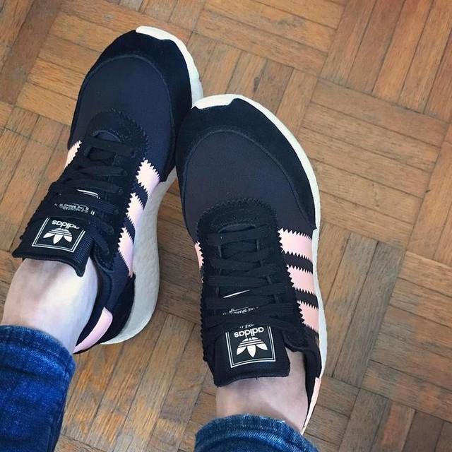 Another new kicks 😬 #adidasoriginals #iniki #AdidasINIKI #inikiboostrunner #sneakers