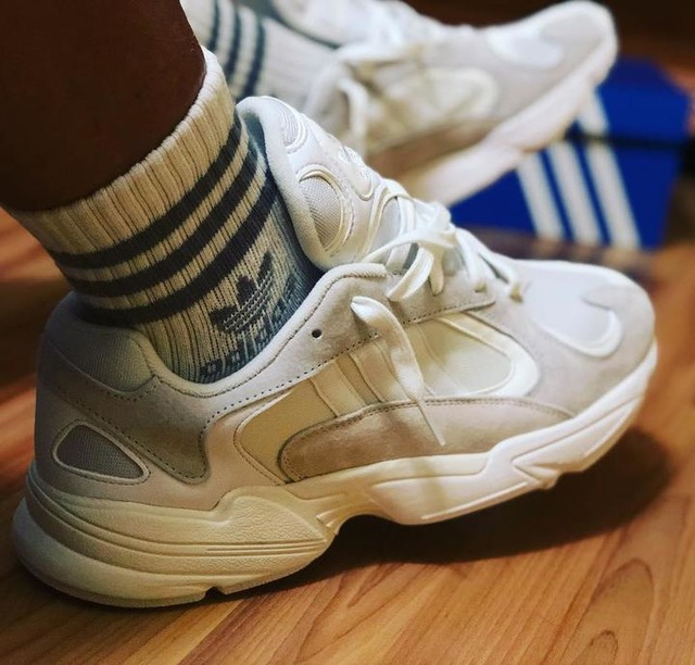 Hello earthlings 🙌😍 as you can imagine I'm extremely excited‼️‼️‼️ I received these amazing #yung1cloudwhite from adidasoriginals I took a quick peek at them but didn't try them on. Finally after an amazing week I have a chance to try on my #foreveryung1 ❤️❤️❤️ they are fire 🔥🔥🔥 #adidas #yung1 #alwaysrepping these are very special #cloudwhite only for walking on clouds 🤟🤯✌️💣💣💣 hope everyone is having an amazing weekend💯💯💯 thanks to my love loveyourselfmiami loveyourselffit305 she has me spoiled vegan_warrior ufc_coach_melvin 🤭👍 3 stripes life ✊😘🤜 #ufcgym #ufcgymkendall