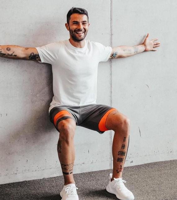 Anche Pasqua è passata! 🐣 adesso vi aspetto a braccia aperte 😂... in wall sit, non fatemi aspettare troppo!😂. . . . #HereToCreate #PRIMEKNIT #createdwithadidas #adidastraining #training #workout #adidas #adidasita #adidastrainingsquad #gym #coach #personaltrainer #strength #motivation #bestoftheday #picoftheday #outfitoftheday #gymoutfit #gymmotivation #functionaltraining #allenamentofunzionale #personaltrainermilano