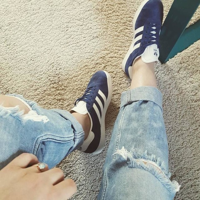 Shades of blue #adidas #gazelle #rippedjeans #easter