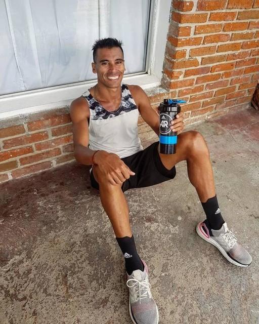 twenty kilometers fighting against the wind 🌬🇺🇾🏃🏽♂️👣🔥 . . . #athletic #athlete #atletismo #olympics #running #instarunner #runner #runforlife #picoftheday #ootd #instadaily #instalike #healthy #whpjourney #potd #correr #energy #fitness #saturday #socialsaturday #saturdayafternoon #saturdayfun #FuerzaAereaUruguaya #MacroMercado #garmin #endurance  #Clubonefitness #CibelesNutrition #adidas #adidasrunners