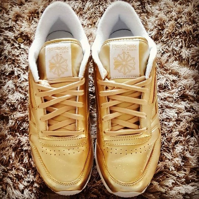 New trainers #reebok #reebokclassic #rave #goldtrainers #summerstyle #danceallnight #ravers