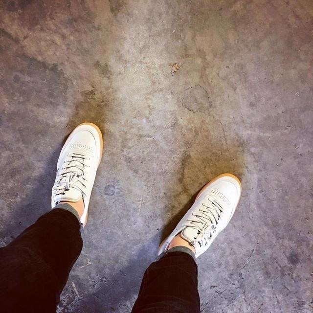 Beat those Monday blues | @reebok_sa @reebokclassics #clubc85 #clubc #gumsole #sneakers #sneakerhead #kicks #localkicks #sakicks #vscocam #vscobest #iggers #blog #iphotography #shoefie #reebok #reeboksa #reebokclassic #classic #laceup
