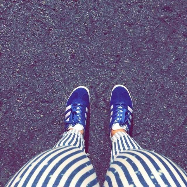 Stripes n good vibes • • • • • • • •  #adidas #gazelleadidas #gazelle #stripes #miami #miaminights #citylife #downtownmiami #brickell #ootd #trendy #fashiondaily #miamiblogger #blogging #zara #miamicity