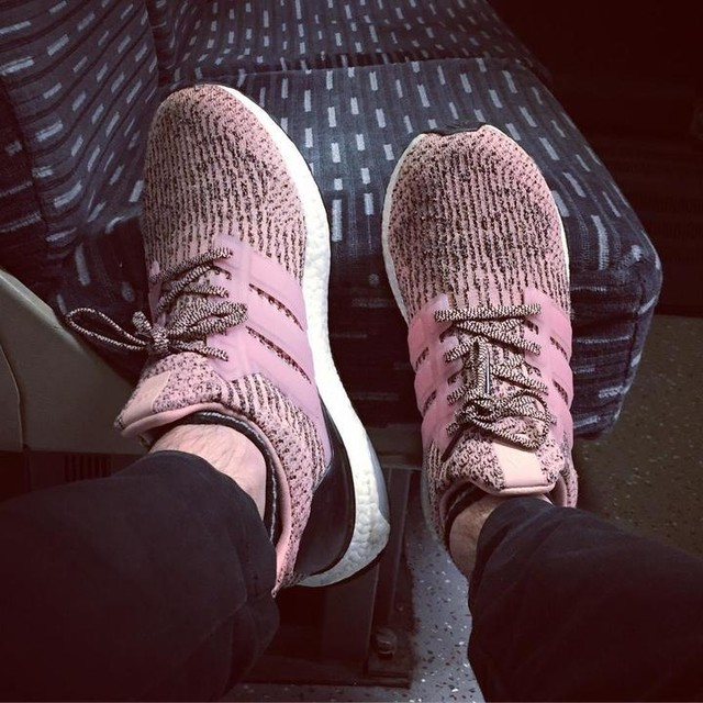 Train Boost. #adidas #boost #adidasultraboost #pink #sneakers #freshouttheoven #adidasboost #boosted #ultraboost #crepcheck #oftd