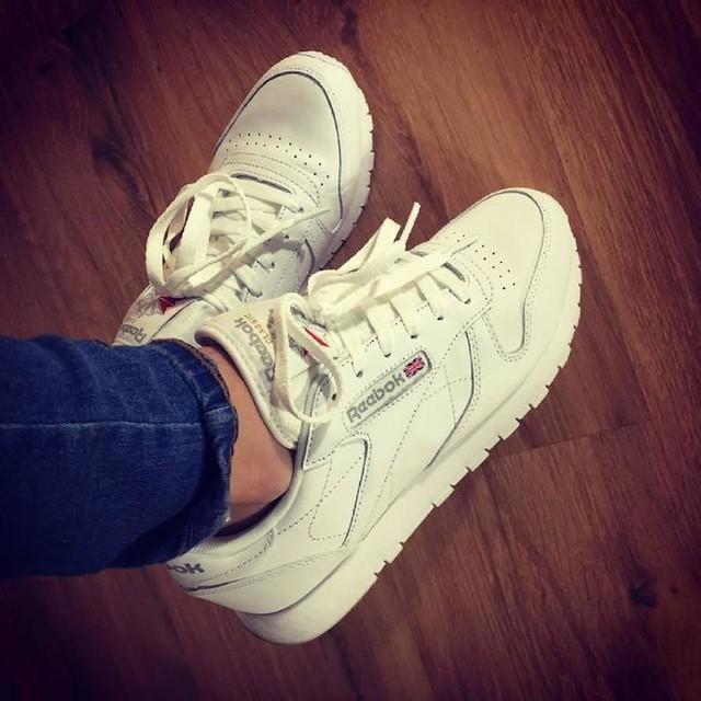 Bok 👌 Thx my Love 😘 @gutierrezfuente #sneakers#white#fromwhereistand#style#swag#fashion#look#lotd#ootd#reebok#reebokclassic#igers#instagramers#stepperoftheday#geileteile#schuhwerk#sneaker#schäxihäxi#sunday#weekend