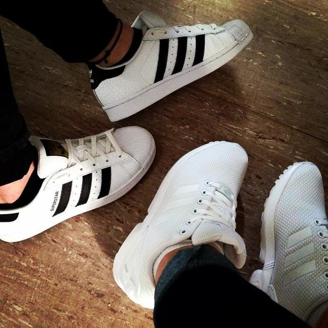 #keinLeben #schule #PTA #Shoes #boring #keinelust #adidas #superstar #animalprint #zxflux #instashoes #gotnewshoes #love #friends @melinafromtheblock 🙋🏽👟
