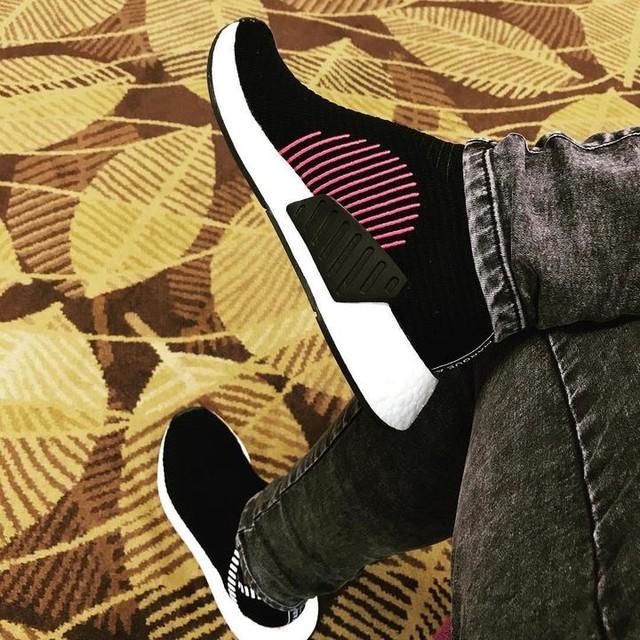 #testrun #firsttime #nmd #adidas  #citysock #black #cherry #uncaged #cs2 #shoes #sportshoes #goodforwalking #noshoelaces