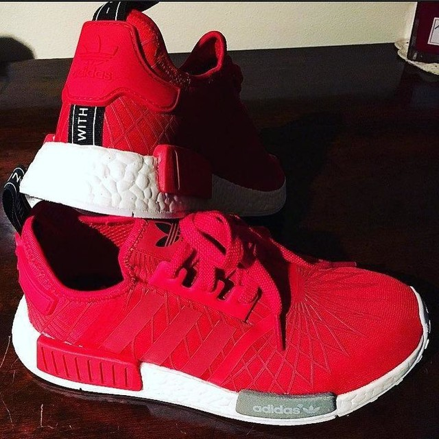 Eccole arrivate 😍😍❤️ #nmd #nmdr1 #nmdrunner #adidas #adidasboost #adidasnmd #limitededition #red #runningshoes #love #fashion #sportwear #shoes #sneakers #instashoes #sneakersaddict #sneakersfreak #like4like #l4l #swag #instafashion