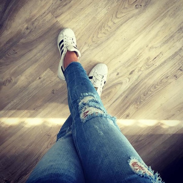 So in love with my shoes ❤️ #adidas #superstar #adidassuperstar #happygirl #casual #style #love #it ❤️