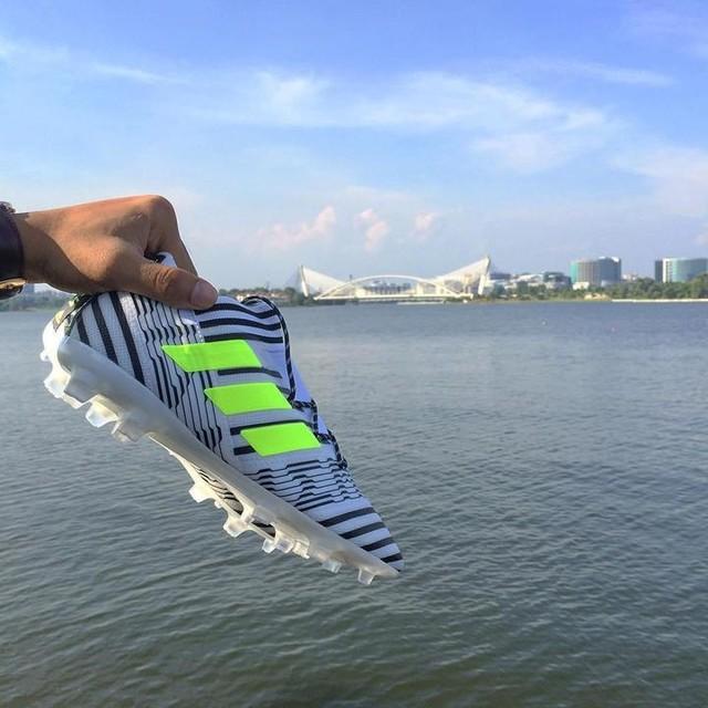 New boots. Same gool 😍🔝🇲🇾 #adidas #adidasmalaysia #adidasMY #nemeziz #football #adidasfootball #hatimaukeras #rezekiAllah #soccer
