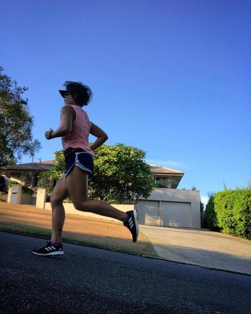 อากาศดี ต้องรีบวิ่ง #ohthemhills #runningupthathill #hillrunning #brisbaneanyday #adidasthailand #adios4 ✨
