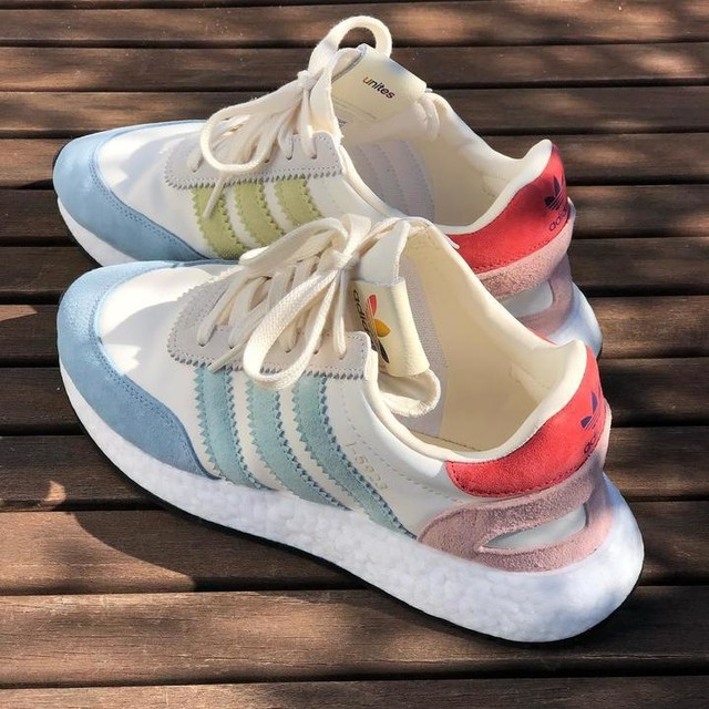 Finally | HAPPY . . #daslebenistschön #lifeisbeautiful #lifeisgood #adidas #adidasi5923 #adidaspridepack #adidaspride #pride #love #loveunites #sneakers #lovesneakers #loveadidas adidas adidas_de #sneakerlove #finally #happy #livelovelaugh #3stripesstyle #threestripes