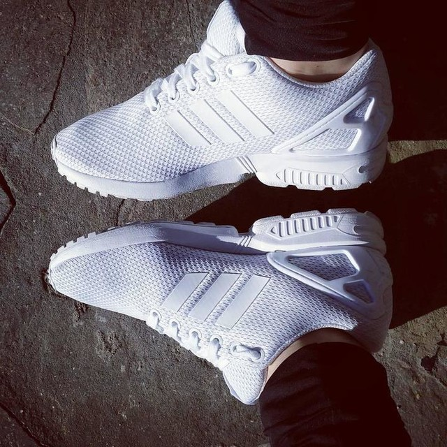 Only #adidas ❤ #zxflux #zxfluxteam #totalwhite #blackandwhite #adidaslover #3stripes #sneakers