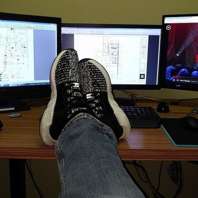 Friday feels #kotd #eqt #adidasoriginals #adidas #boost #wdywt #tgif #workflow #designer #idontgettired