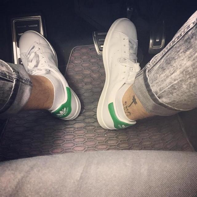 S T A N  S M I T H 💚  #stansmith #sneakerlove #tattoo #inked #s3 #audi #baby #love #sneaker #green #300 #🐎 #adidas #0711 #stuttgart #menfashion