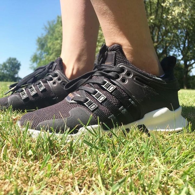 EQT 😍 || what do you think about my new baby's #adidasoriginals • • • #inspiration #fitdutchies #fitgirls #eqt #adidas #adidasoriginols #foodie #gezondevoeding #fitmission #workout #arms #sneakeraddict #adidaseindhoven #equipments #footwear #sports #fitness  #health #foodcoach #foodblogger #gymaddict #eatingclean #twinningwithg #focus #goaldigger #motivation #healthwithcyndi