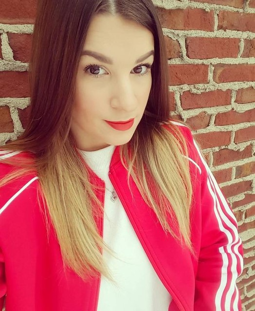 #adidas #adicolor #ootd #whatiwore #fashion #obsessed #trend #red #sport #originals #hudsonsbay #hbc #nyx #trending #beauty #spring #fashiondiaries #activewear #fashionista #ootdshare