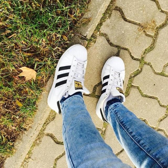#adidassuperstar 👟💓 #Shoes #adidas #superstar #adidasoriginals #photooftheday #potd #poland #polishgirl #photography #tumblr #tumblrpic #tumblrphoto #tumblrgirl #oldpic #oldphoto #insta #instapic #instagood #instagram #instagirl #instaphoto #leaves #grass #path 💪😂