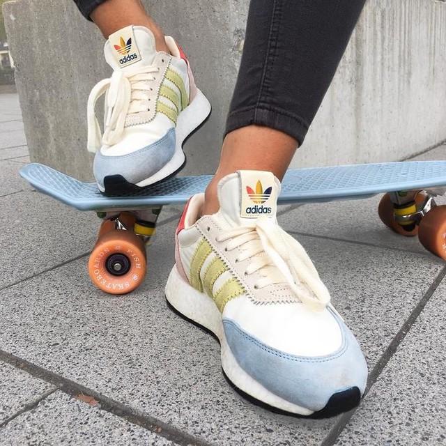 @adidas Pride Pack 🌈 #adidas #adidasoriginals #iniki #pride #lgbt #sneakers #love #instagram #potd #pictureoftheday #photooftheday #shoes #fashion #fashionblogger #fashionista #blogger #style #girl